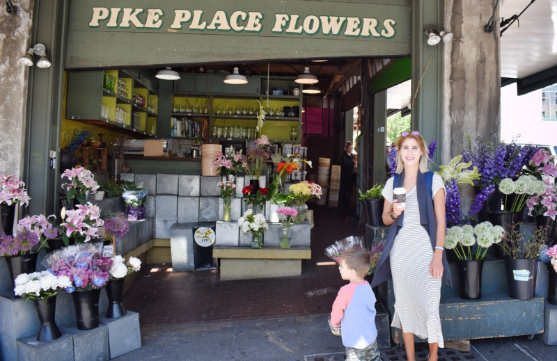 Pikes place market, fresh cut flowers