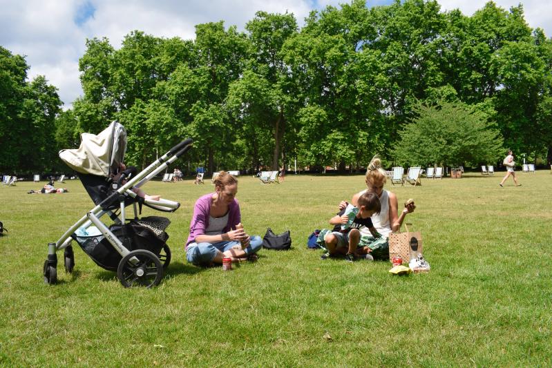 Picnic in St James Park, London