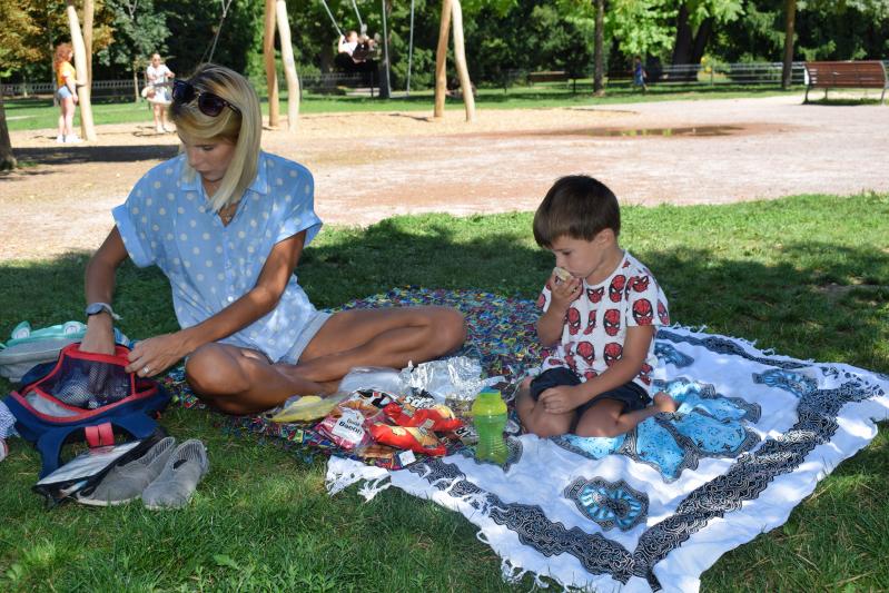 picnic in Parc de l'Orangerie